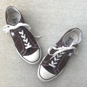 Brown Converse one Star Low tops